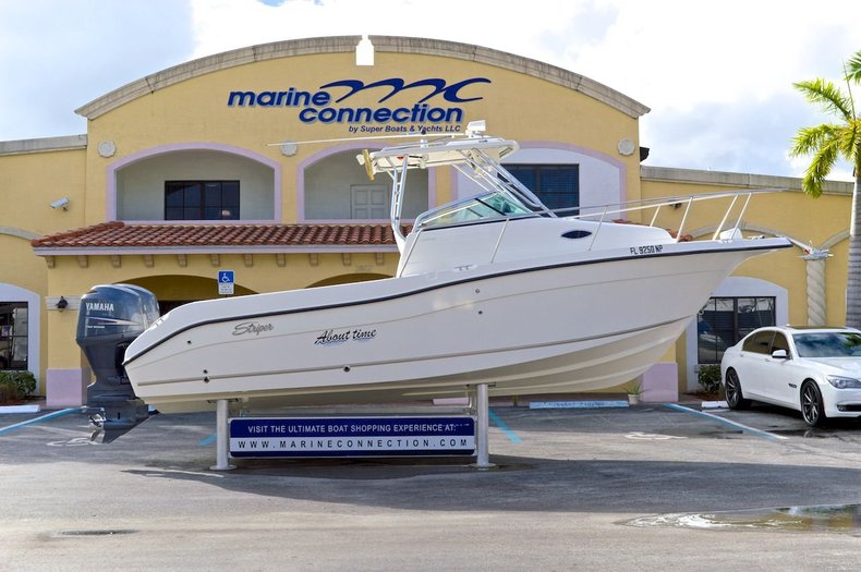 Used 2008 Seaswirl 2601 Striper Walk Around boat for sale in West Palm Beach, FL
