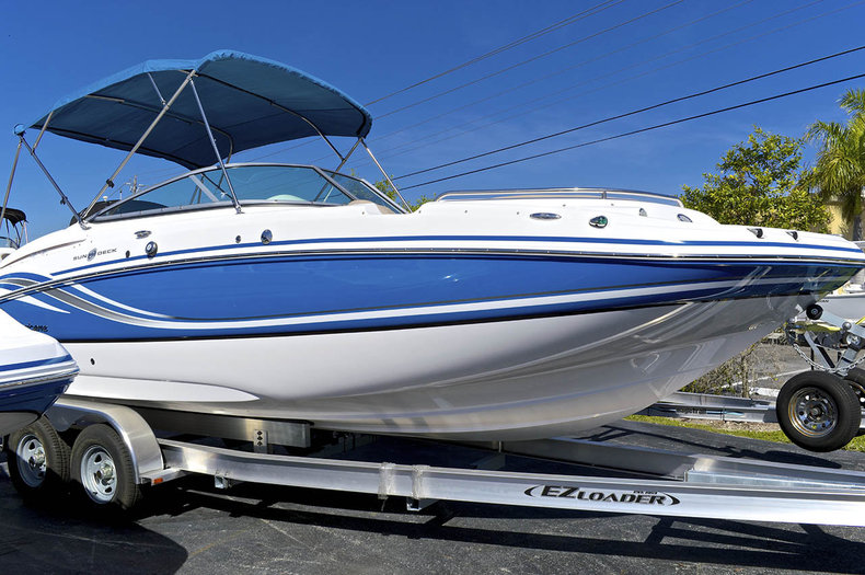 New 2014 Hurricane SunDeck SD 2400 OB boat for sale in Miami, FL