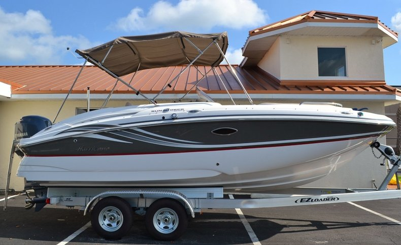New 2014 Hurricane SunDeck Sport SS 220 OB boat for sale in Miami, FL