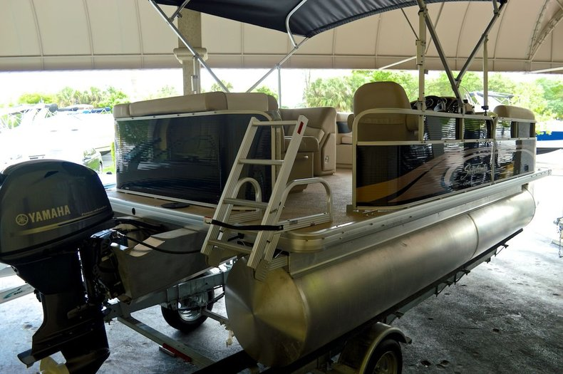 New 2014 Sweetwater 2086 Cruise 3 Gate boat for sale in West Palm Beach, FL
