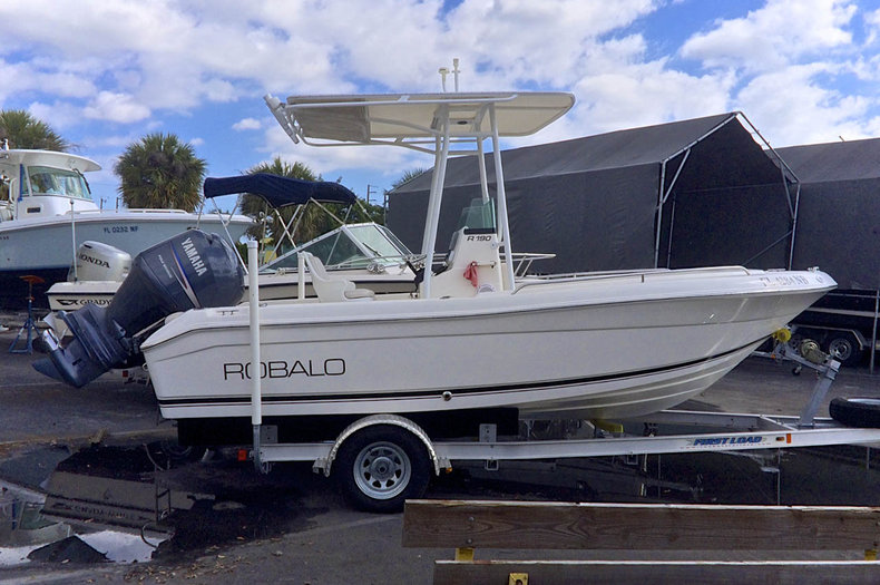 Used 2005 Robalo R190 Center Console boat for sale in West Palm Beach, FL