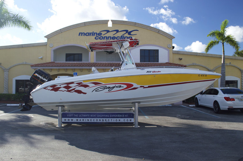 Used 2002 Baja 250 Islander Center Console boat for sale in West Palm Beach, FL