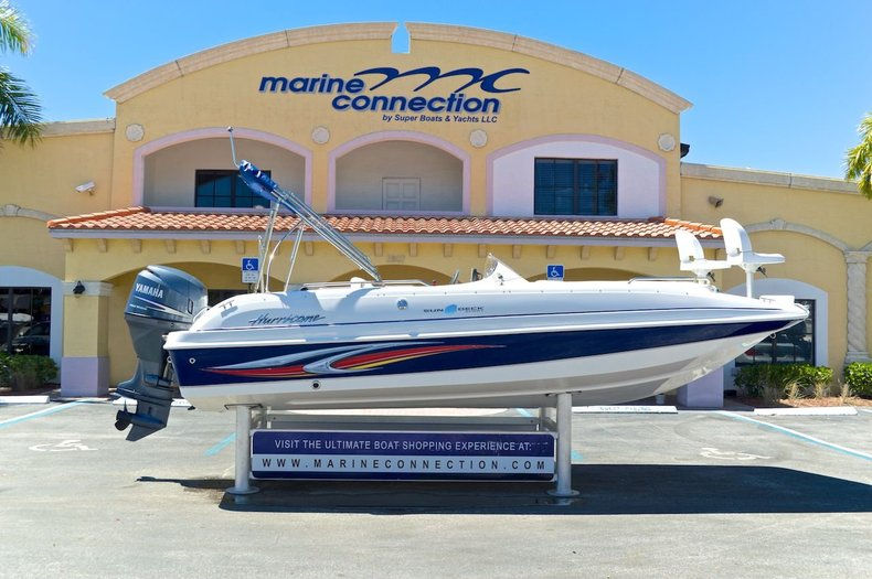 Used 2010 Hurricane SunDeck Sport SS 201 OB boat for sale in West Palm Beach, FL