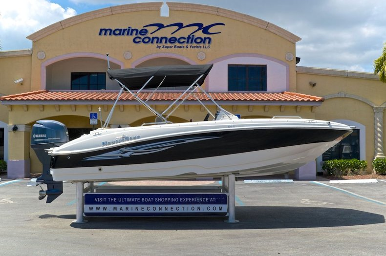 Used 2012 NauticStar 203 SC Sport Deck boat for sale in West Palm Beach, FL