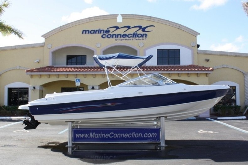 Used 2005 Bayliner 225 Bowrider boat for sale in West Palm Beach, FL