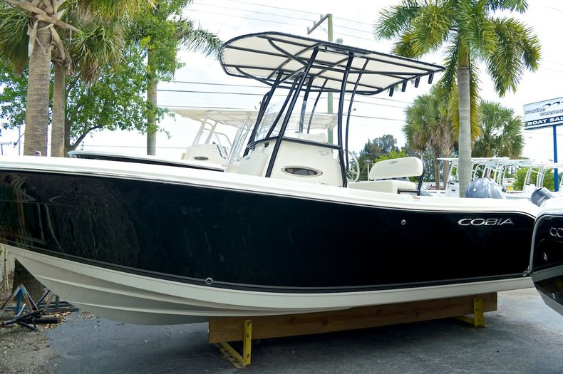 New 2014 Cobia 217 Center Console boat for sale in West Palm Beach, FL