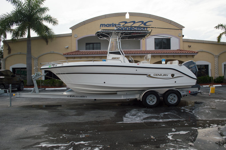 Used 2004 Century 2200 Center Console boat for sale in West Palm Beach, FL
