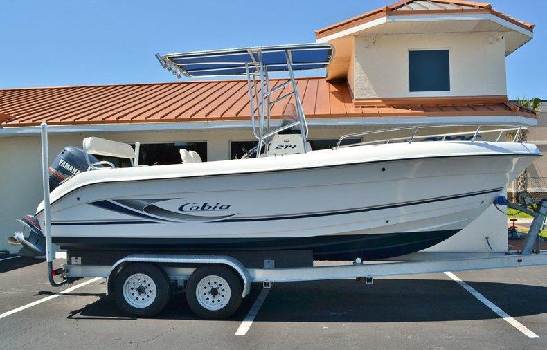 Used 2003 Cobia 214 Center Console boat for sale in Vero Beach, FL