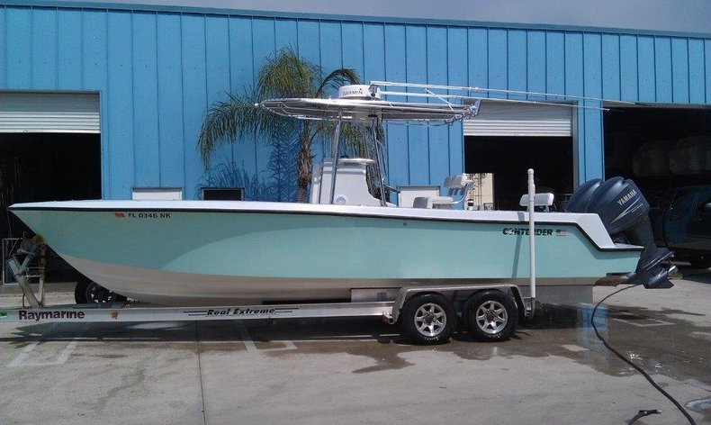 Used 2007 Contender 25 Center Console (28') boat for sale in West Palm Beach, FL