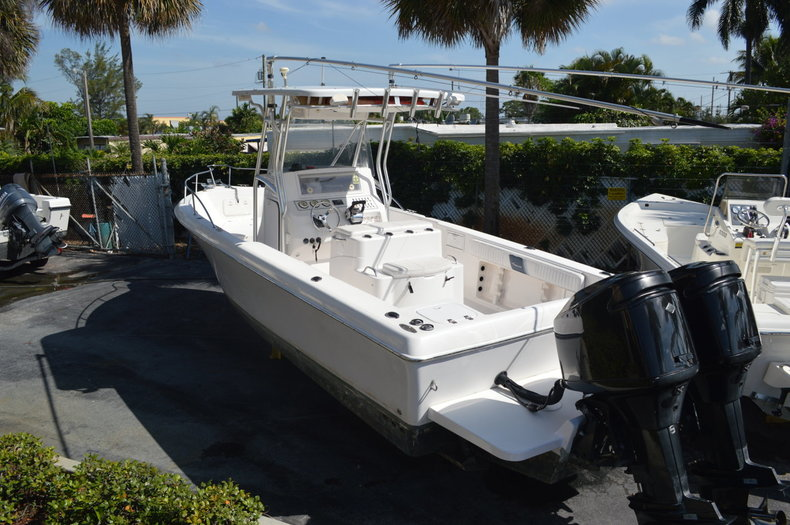 Used 2004 Pro-Line 25 Sport boat for sale in West Palm Beach, FL