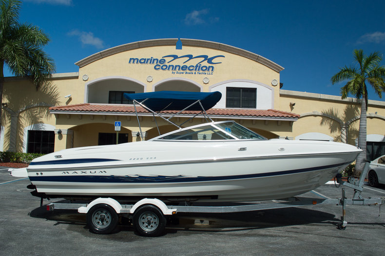 Used 2005 Maxum 2200SR3 boat for sale in West Palm Beach, FL