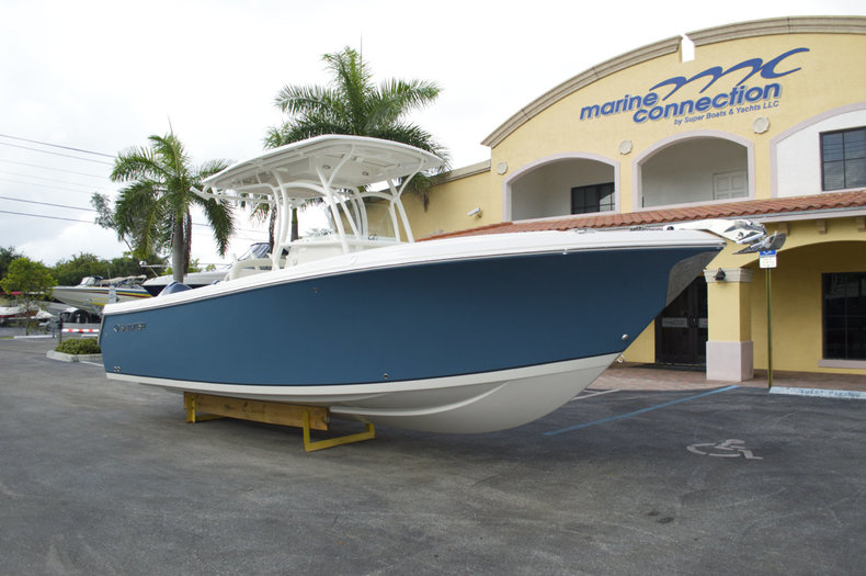 2015 Sailfish 270 CC Center Console boat for sale in West Palm Beach, FL