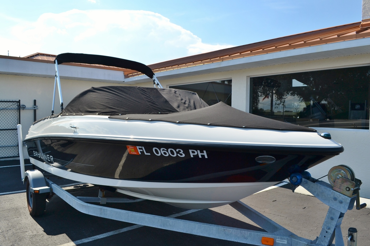 Pictures of Bayliner Boat Dealer
