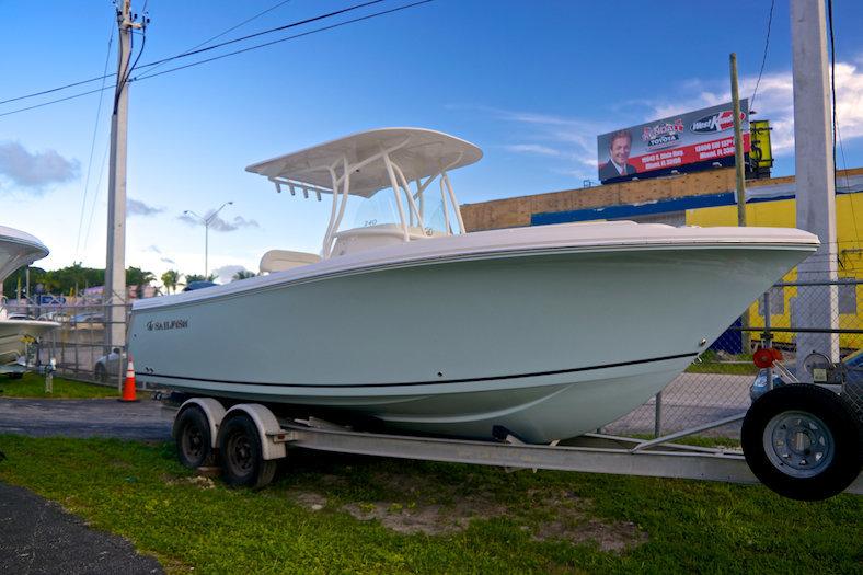 New 2015 Sailfish 240 CC Center Console boat for sale in Miami, FL
