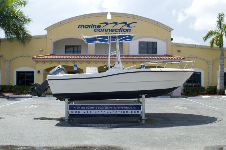 Used 2004 Key Largo 2000 CC Center Console boat for sale in Miami, FL