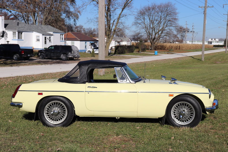 47412846c6ce8 low res 1969 mg mgc
