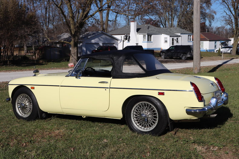47425171eabfa low res 1969 mg mgc