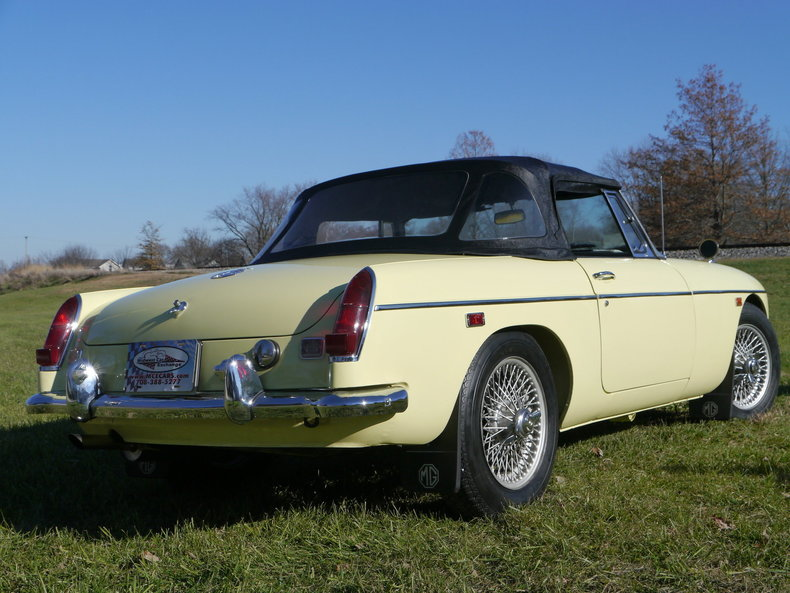 4742605e6490e low res 1969 mg mgc