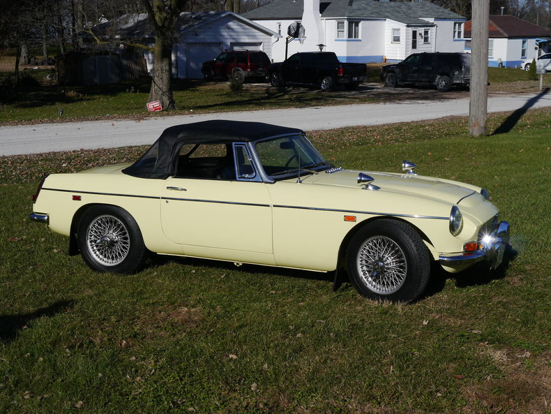 474275fa2b543 low res 1969 mg mgc