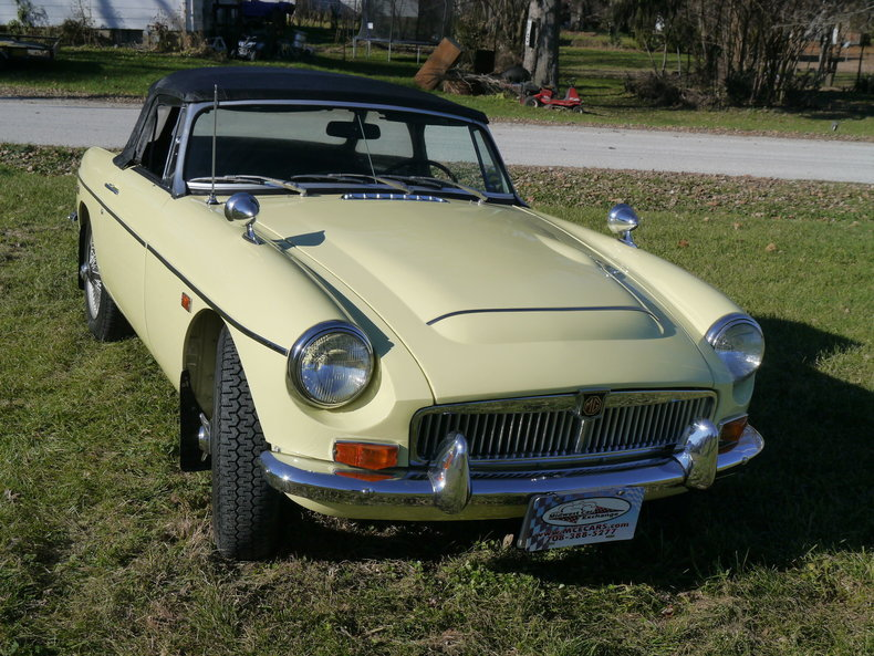 47432ace2b255 low res 1969 mg mgc