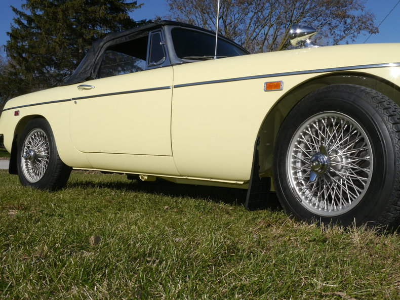 4743612654d1c low res 1969 mg mgc