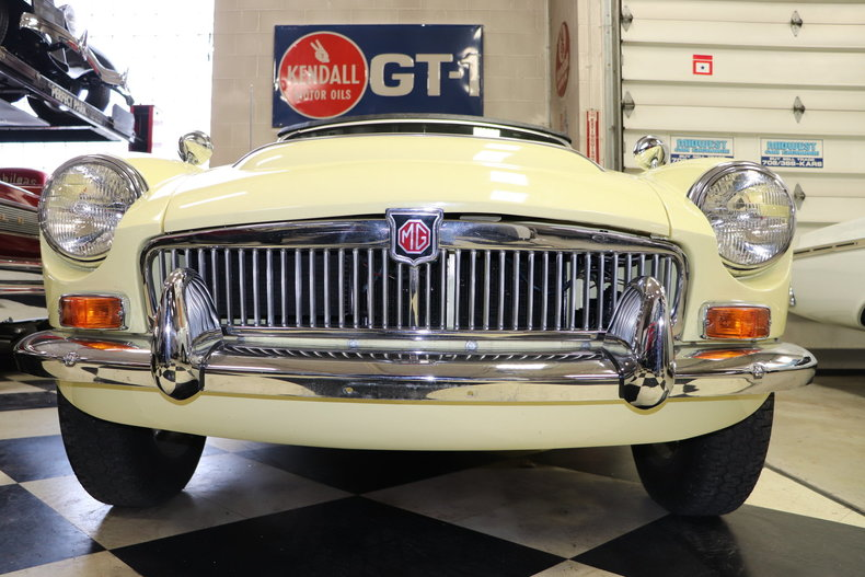 50372e8212e9b low res 1969 mg mgc