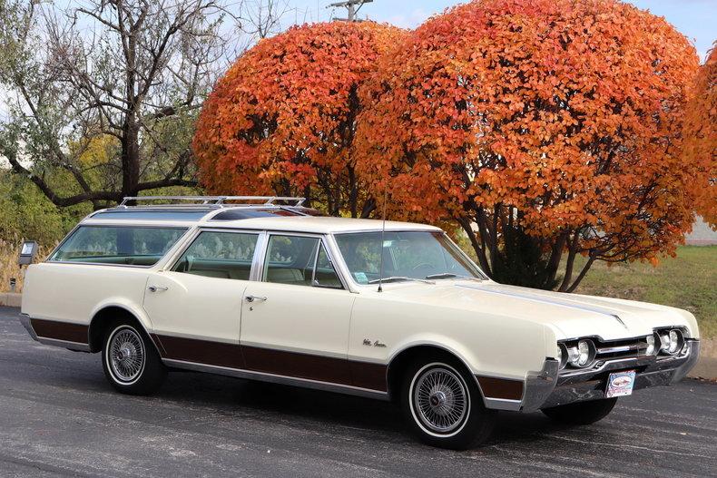 46882b3252356 low res 1967 oldsmobile vista cruiser