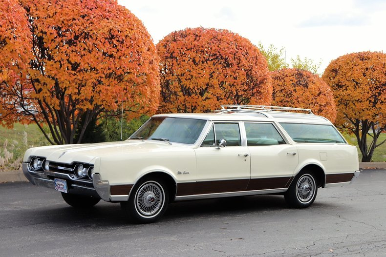 46897a8385d97 low res 1967 oldsmobile vista cruiser