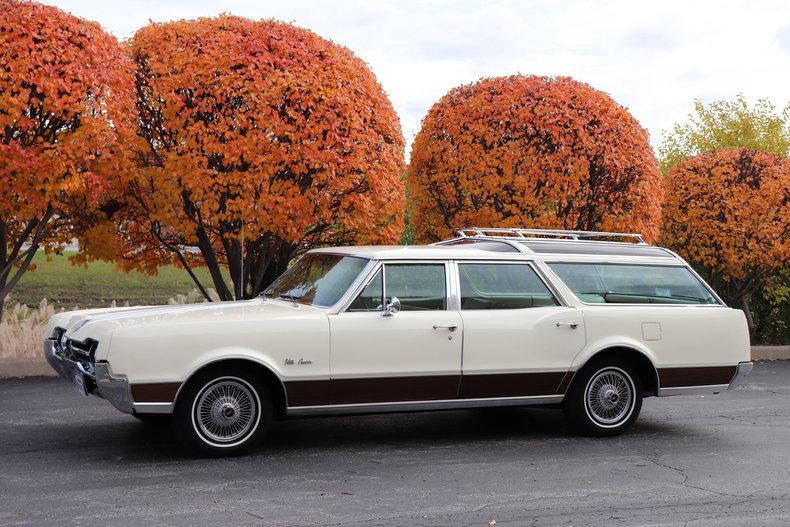 46900313622d9 low res 1967 oldsmobile vista cruiser