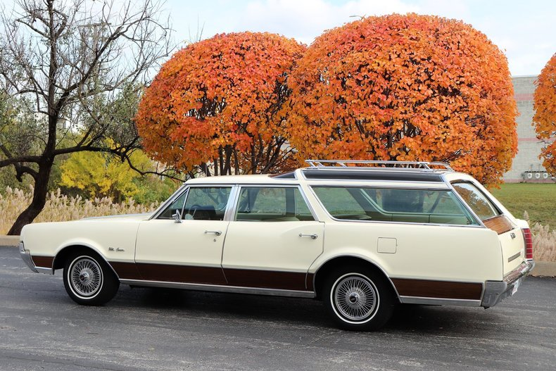 46901cd223090 low res 1967 oldsmobile vista cruiser