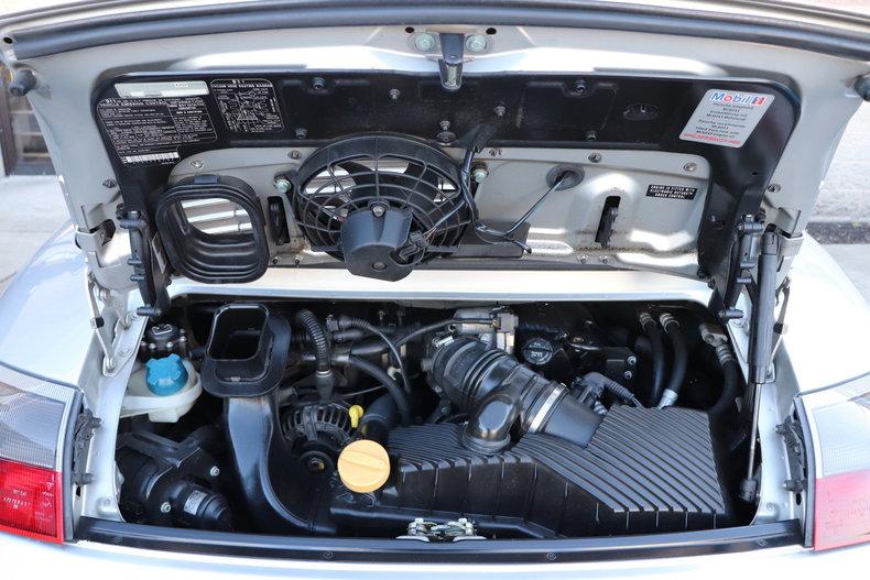 475129b2f6804 low res 2000 porsche 911