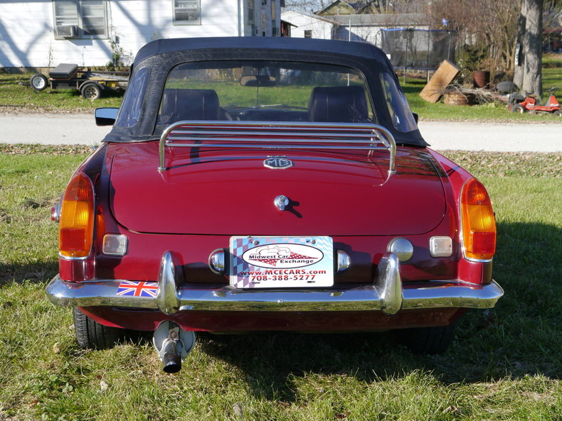 476113707059c low res 1974 mg mgb