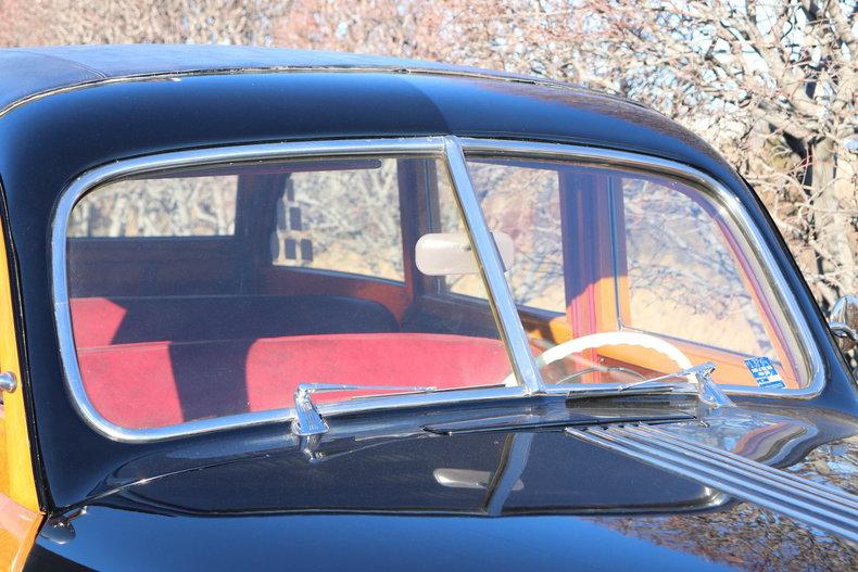 4809287833f90 low res 1948 pontiac silverstreak