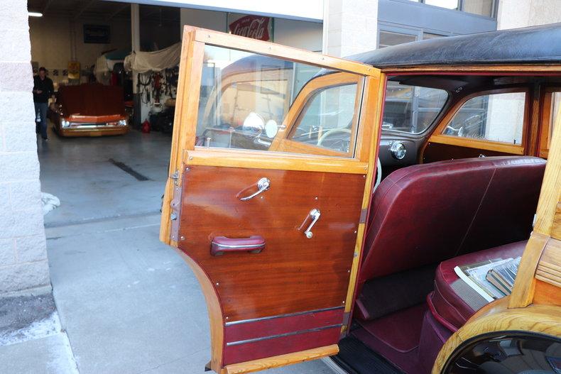 481616e662a09 low res 1947 pontiac streamliner woody