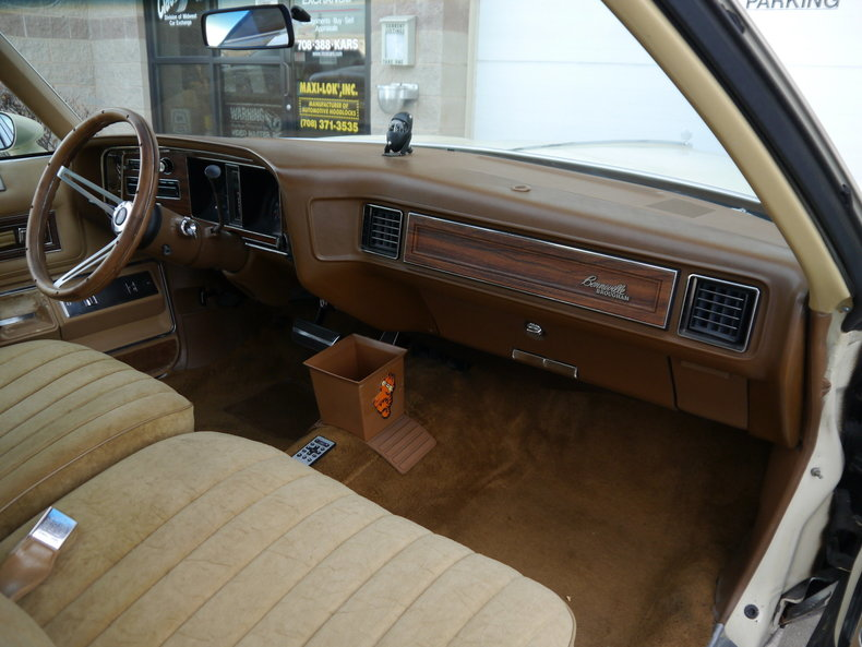 48486c4b3e6d3 low res 1976 pontiac bonneville brougham