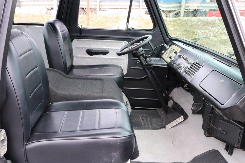 48753c91def33 low res 1965 ford econoline