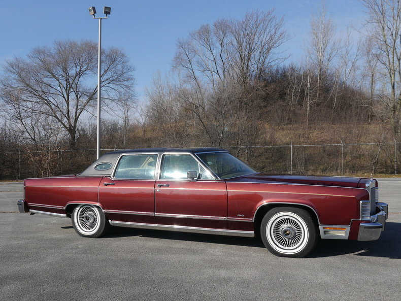 48915a16ad94e low res 1979 lincoln town car