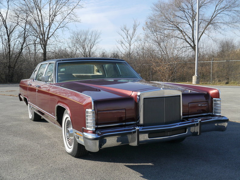 4892020a04570 low res 1979 lincoln town car