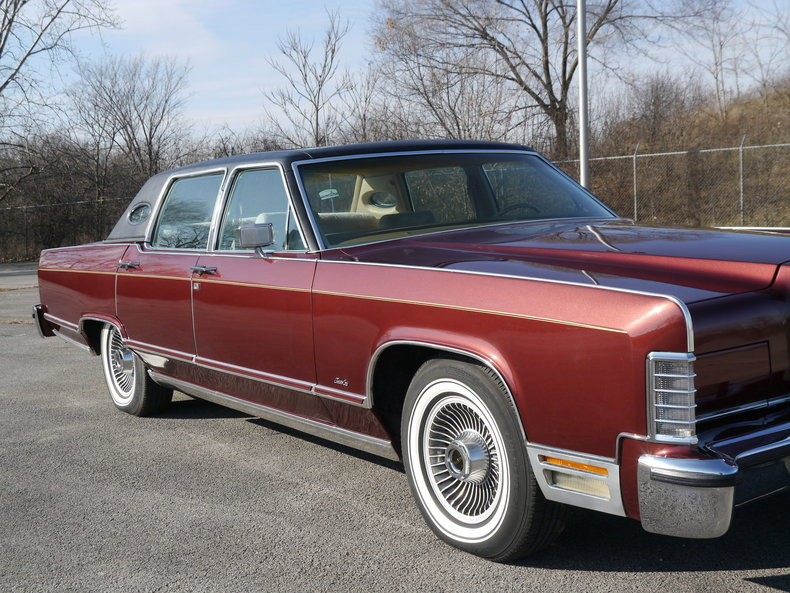 489231671bd90 low res 1979 lincoln town car