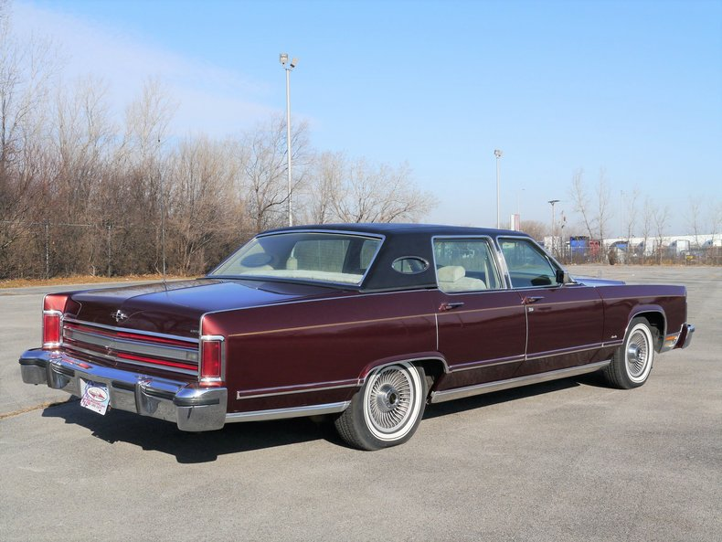 4892906448b7f low res 1979 lincoln town car