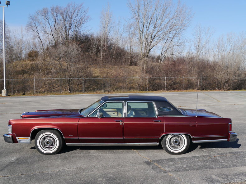48939d7b71f1e low res 1979 lincoln town car