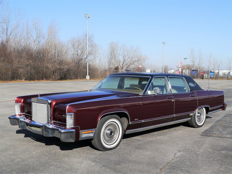48944764c3f3d low res 1979 lincoln town car