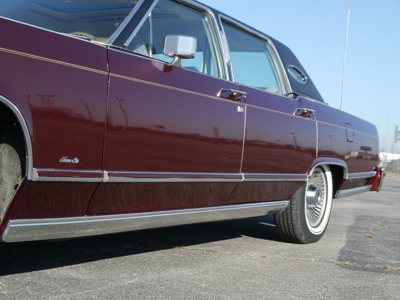 4894563078df7 low res 1979 lincoln town car