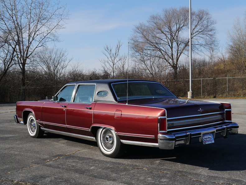 4894812f99b90 low res 1979 lincoln town car