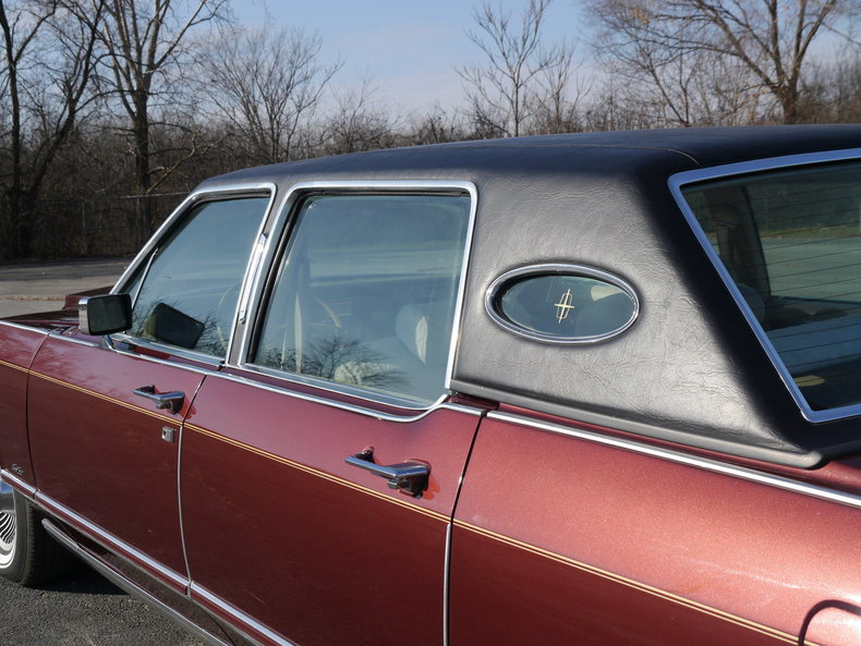 48950d34826f3 low res 1979 lincoln town car