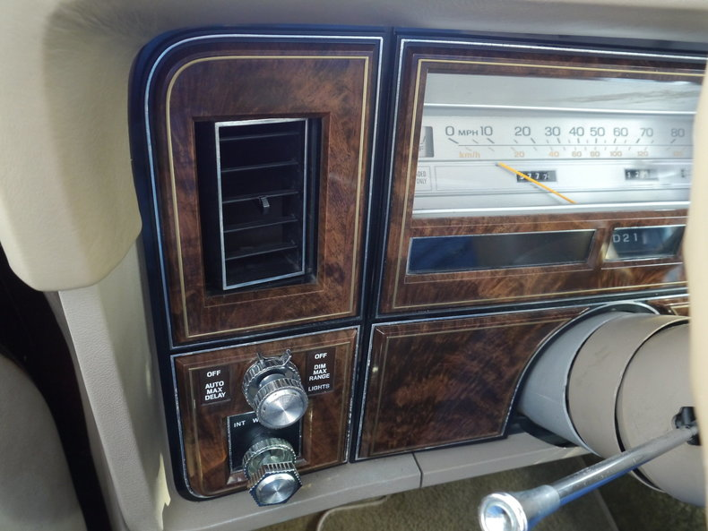 4896295c90b83 low res 1979 lincoln town car