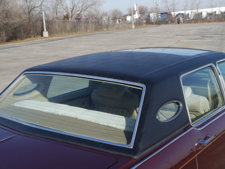 489650963a1b0 low res 1979 lincoln town car
