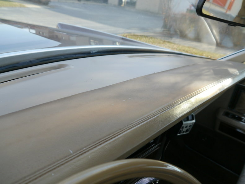 48978542ccfd9 low res 1979 lincoln town car