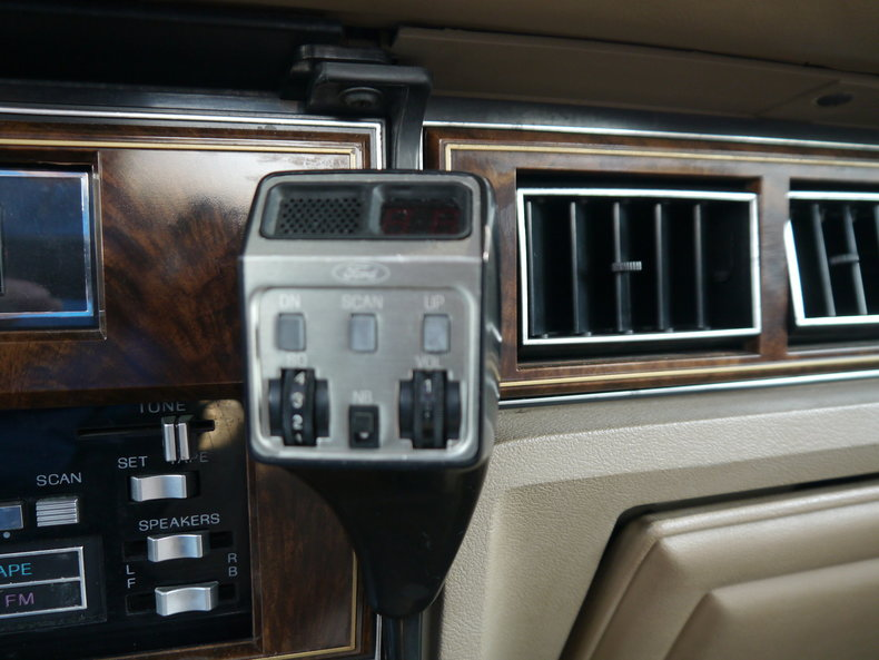 48980e5ce4502 low res 1979 lincoln town car