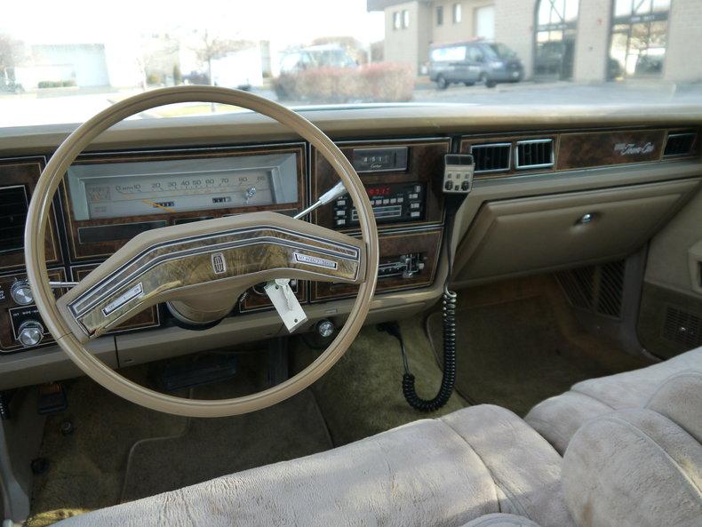 48981fde0e690 low res 1979 lincoln town car